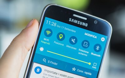 Is Your Smartphone Affecting Your Eyesight? Is WI-FI Affecting Our Eyes & Brains?